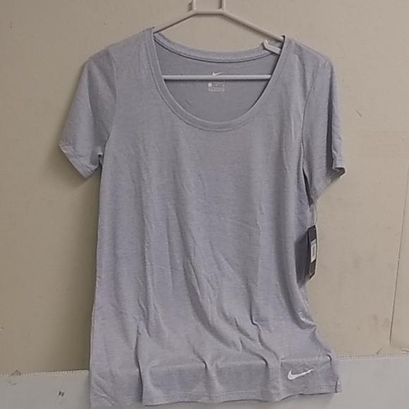 Nike woman's t shirt dri fit short sleeves medium
